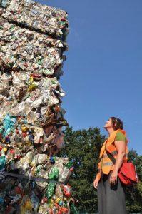 Professor Gilian Gerke ist Spezialistin für Ressourcenwirtschaft, Recycling/ Verwertung, Nachhaltigkeit und Ökobilanzierung