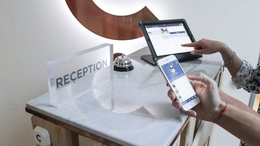Eine vollkommen digital ausgestattete Rezeption