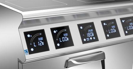 Moderne Geräte erleichtern die Arbeit in der Küche.