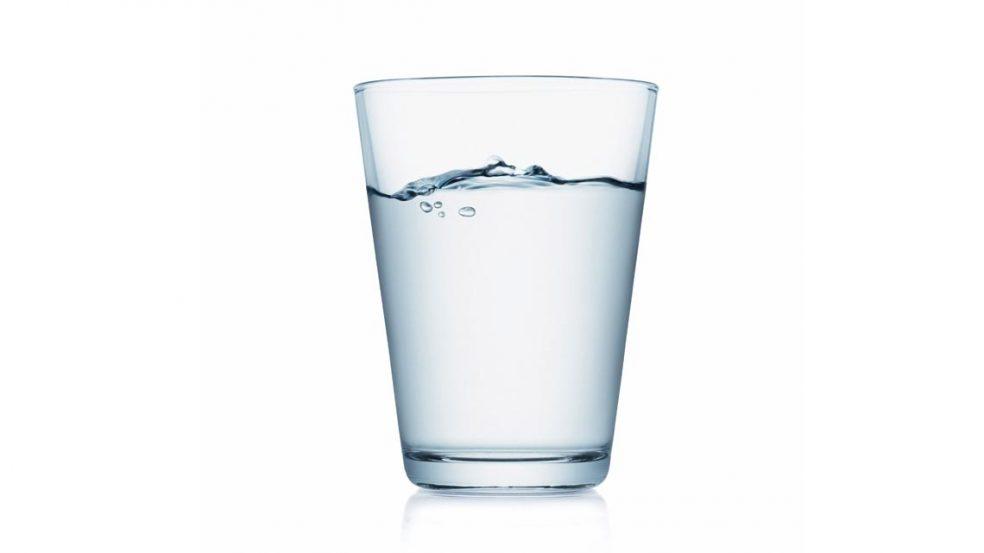 Es wird keine EU-Pflicht zur kostenlosen Tafelwasserabgabe in der Gastronomie geben. Das hat das EU-Parlament nun beschlossen.
