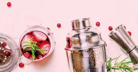 Cocktails bieten in der Umsetzung viele Möglichkeiten zur Kreativität, mit der sich Gastronomen von der Konkurrenz absetzen können.