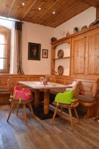Frische Farben im Gastraum, einfache Befestigung und leichte Reinigung überzeugen Gastwirt und Gäste.