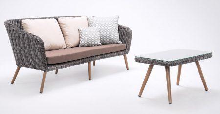 Die Loungegruppe Ember sorgt mit ihren runden Formen für Wohlbefinden bei den Gästen.