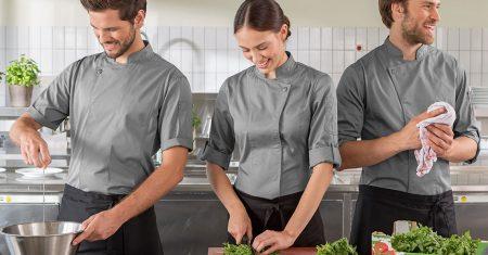 Berufsbekleidung ist steuerlcih absetzbar – aber es gibt einige Regeln zu beachten.