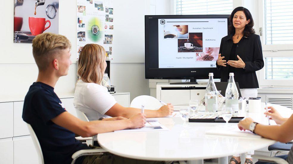 Barista-Schulungen und Kaffee-Workshops sorgen für ausgebildetes Personal und Kaffeegenuss bei den Gästen.