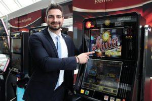 Jendrik Volkmann, Produktmanager Gastronomie bei der adp Gauselmann GmbH, rät Gastronomen, die Spielautomaten mehr als Chance denn als Herausforderung zu sehen.