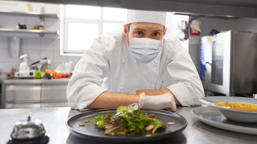 So können Gastronomen und Hoteliers den gestiegenen Anforderungen der Gäste an die Hygiene gerecht werden.