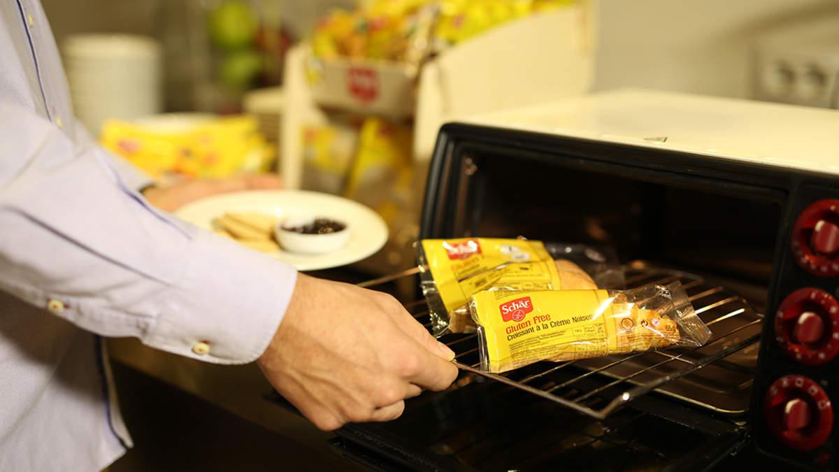 Schär Aufbackfolie, für eine sichere glutenfreie Zubereitung